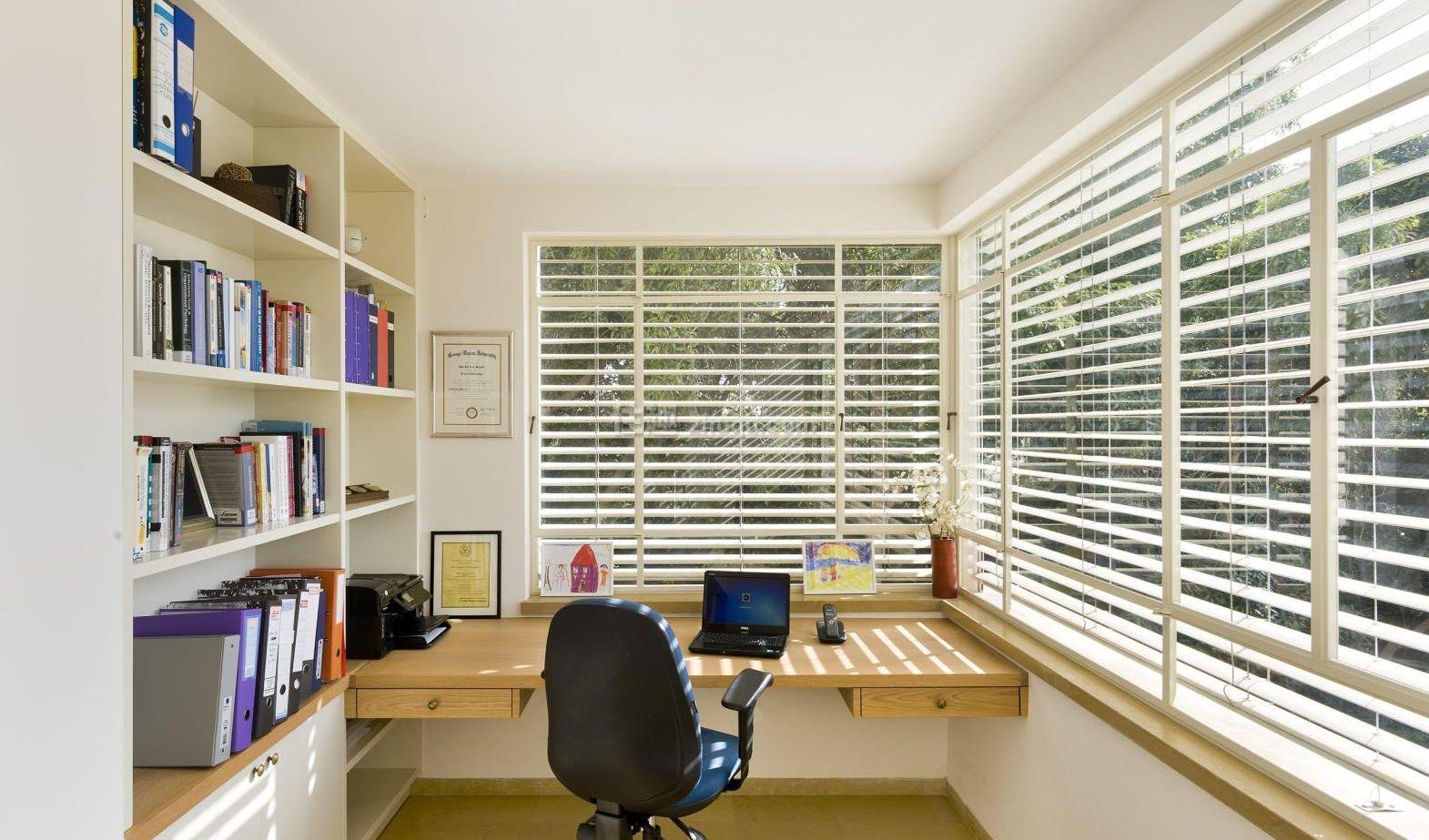 Изготовление мебели для балконов и лоджий, цены от производи.